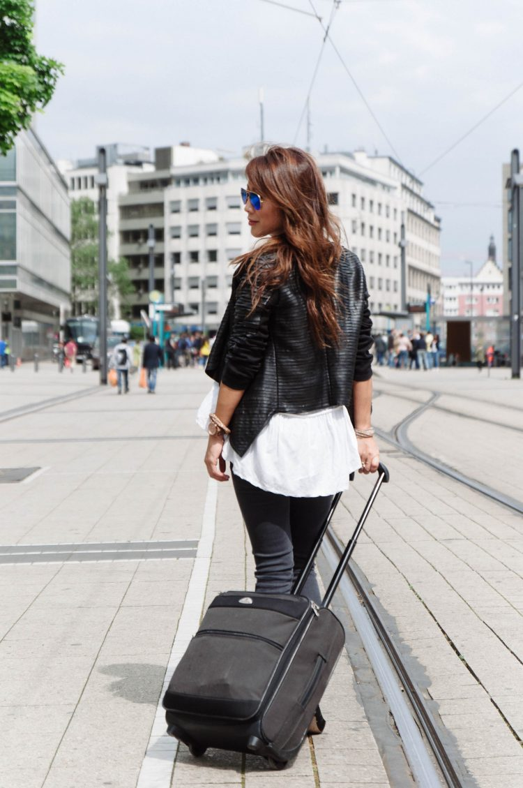 theclassycloud-travel-outfit-airport-look (2 von 12)