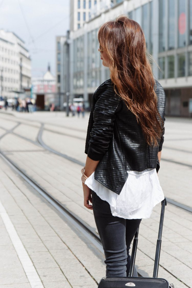 theclassycloud-travel-outfit-airport-look (4 von 12)