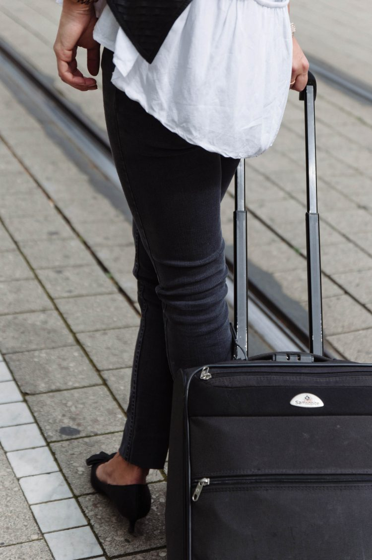 theclassycloud-travel-outfit-airport-look (6 von 12)