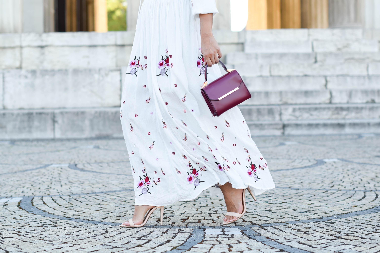 theclassycloud-chicwish-floral-maxi-dress-nude heels (3 von 5)