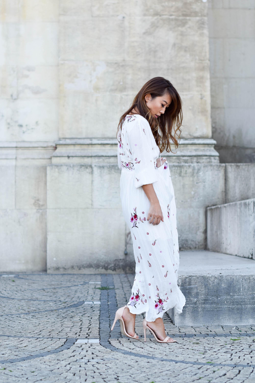 theclassycloud-chicwish-floral-maxi-dress-nude heels (3 von 7)