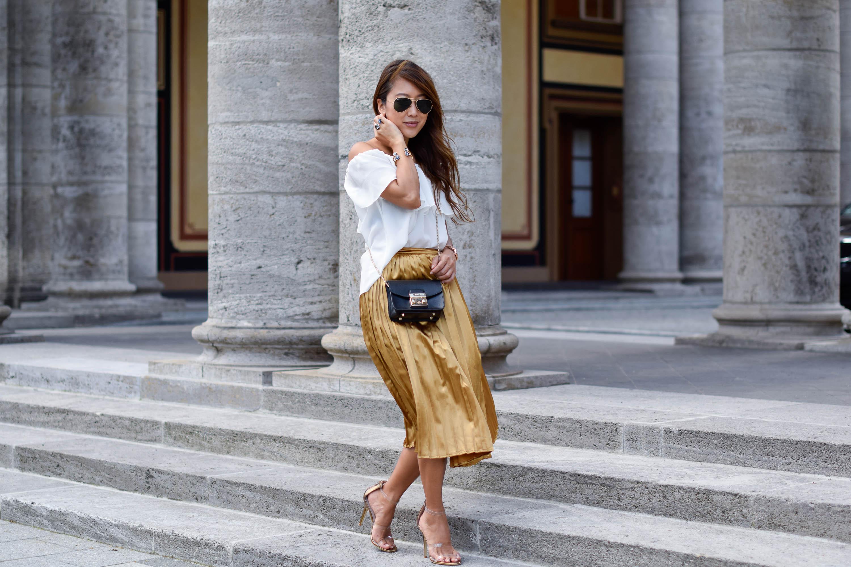 theclassycloud-gold-pleated-skirt-offshoulder (3 von 3)