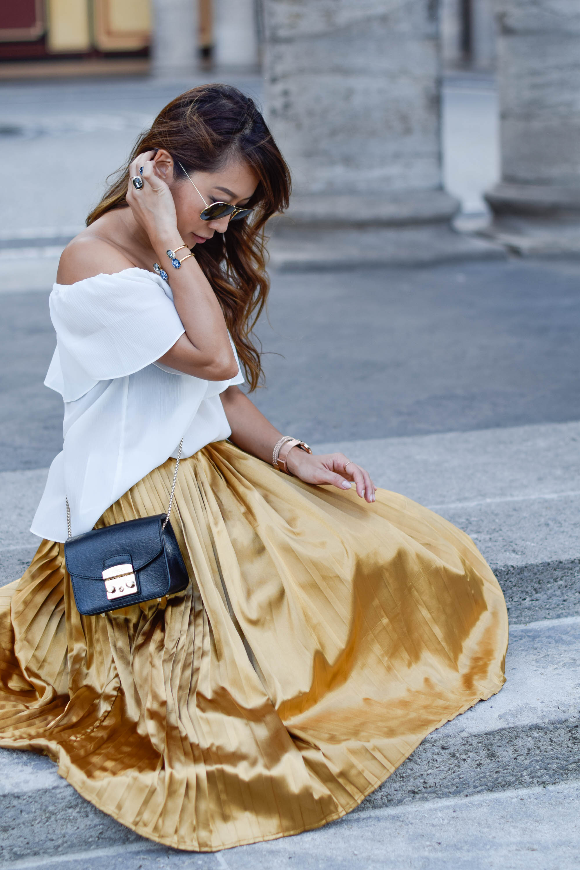 theclassycloud-gold-pleated-skirt-offshoulder (9 von 18)