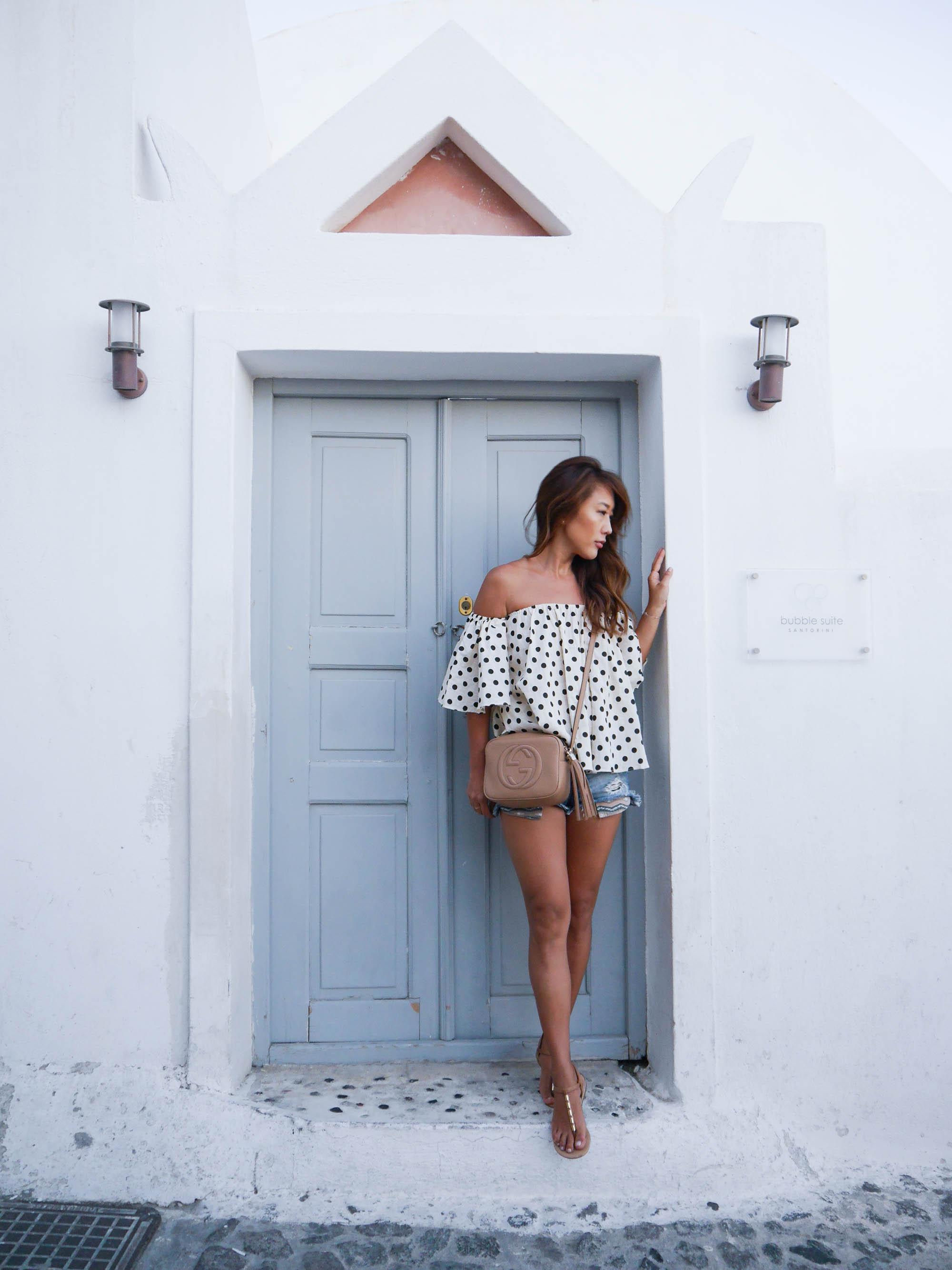 theclassycloud-santorini-travel-outfits (8 von 9)