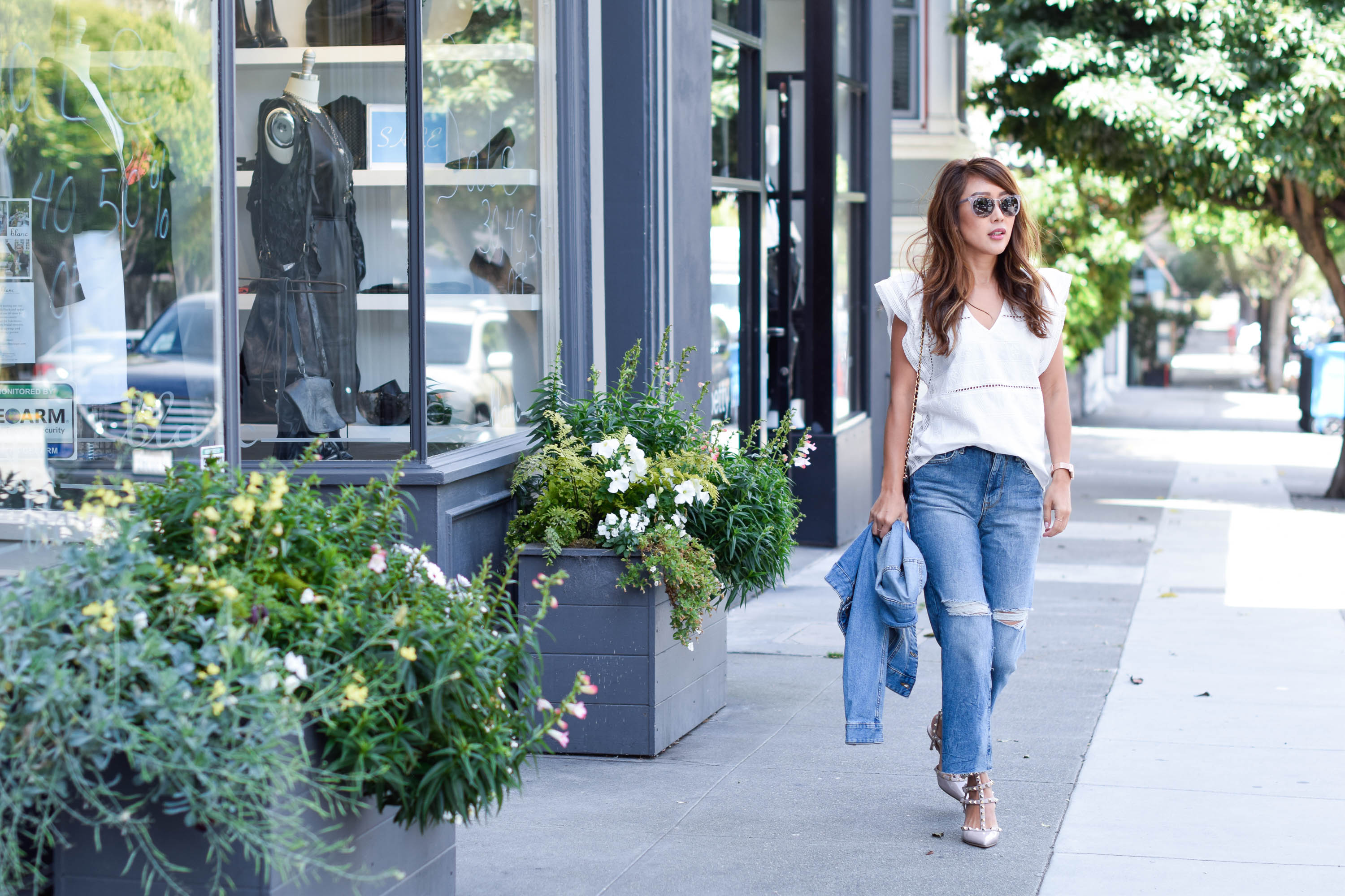 theclassycloud-white-blouse-flared-jeans-sanfrancisco (2 von 4)