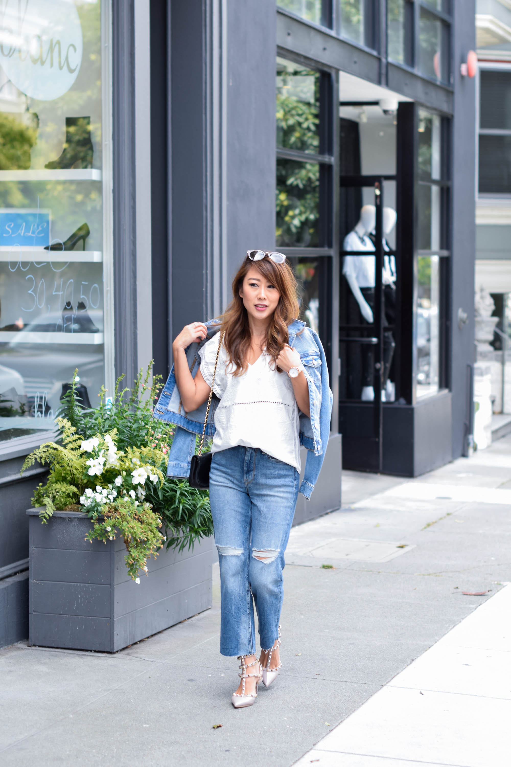 theclassycloud-white-blouse-flared-jeans-sanfrancisco (7 von 10)