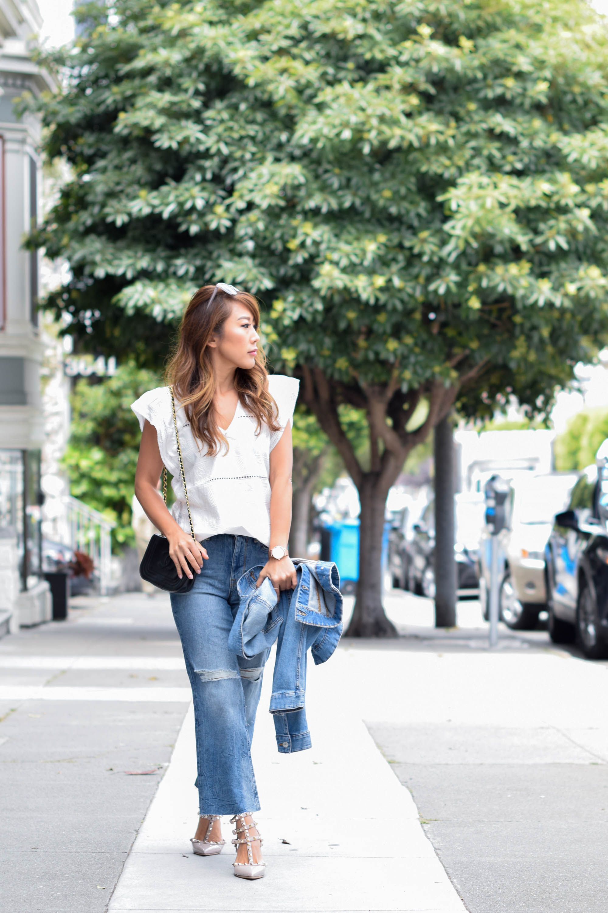 theclassycloud-white-blouse-flared-jeans-sanfrancisco (8 von 10)