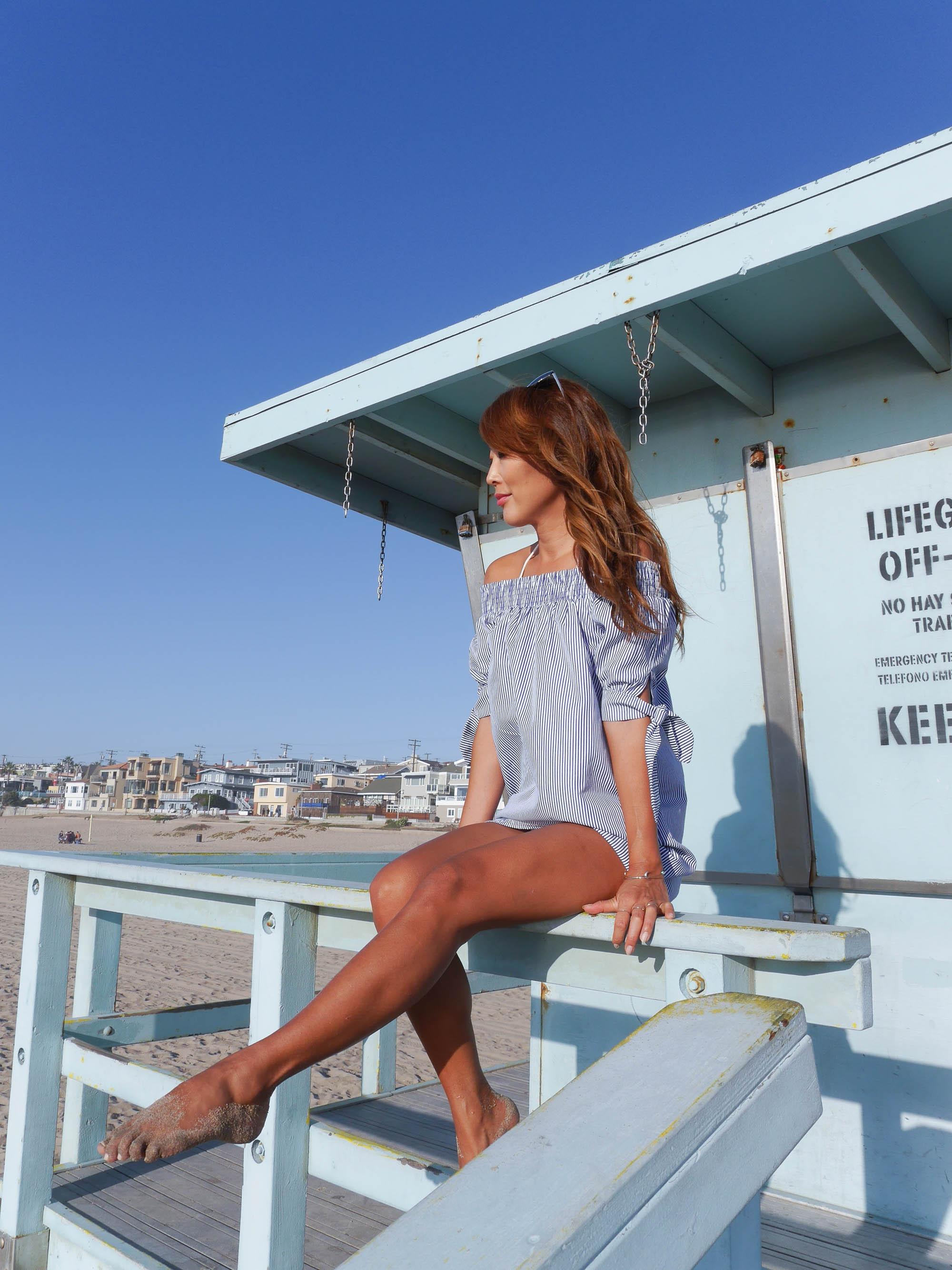 theclassycloud-losangeles-beach-blue-sweater-1-von-1
