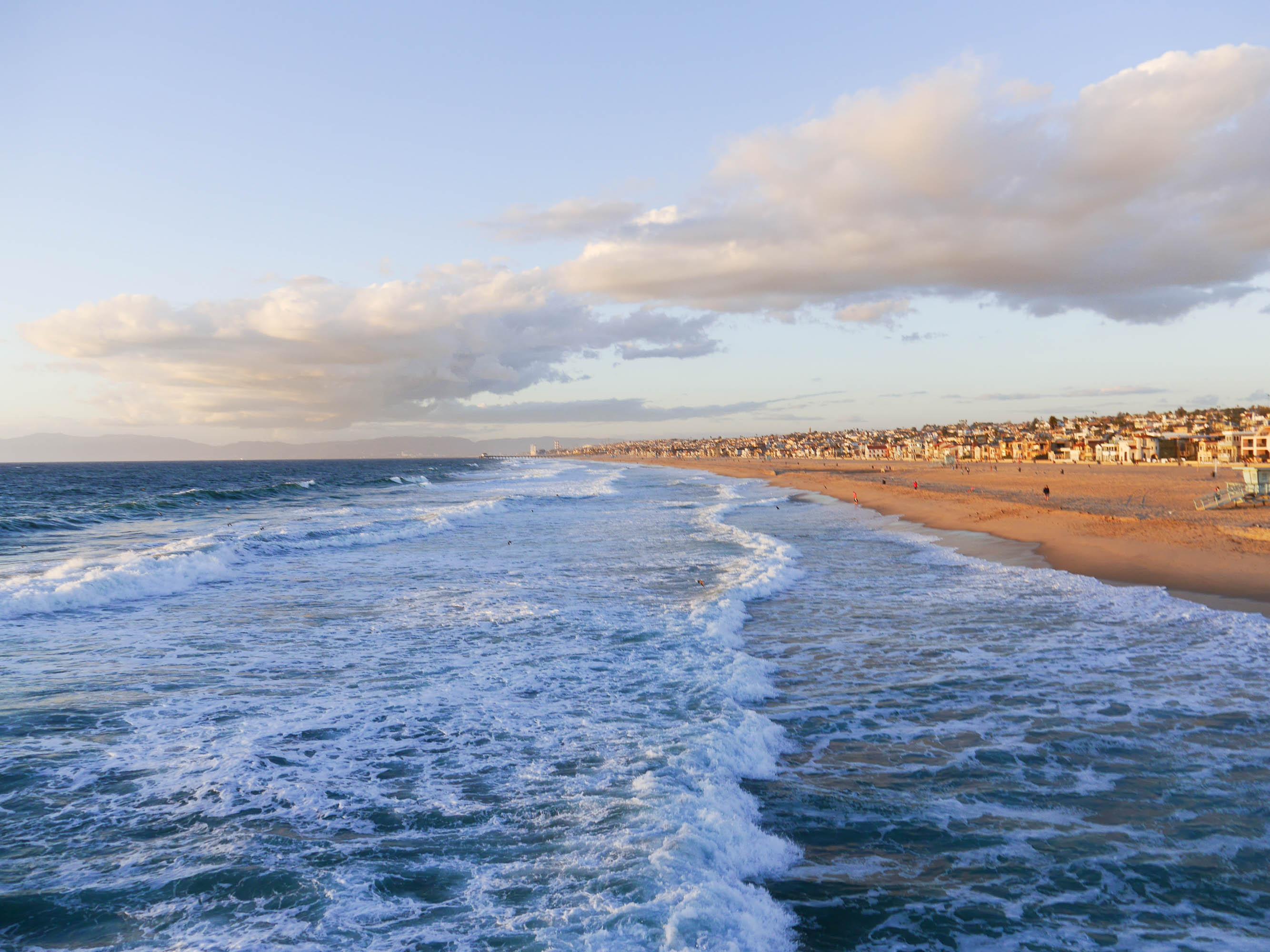 theclassycloud-losangeles-beach-blue-sweater-1-von-5