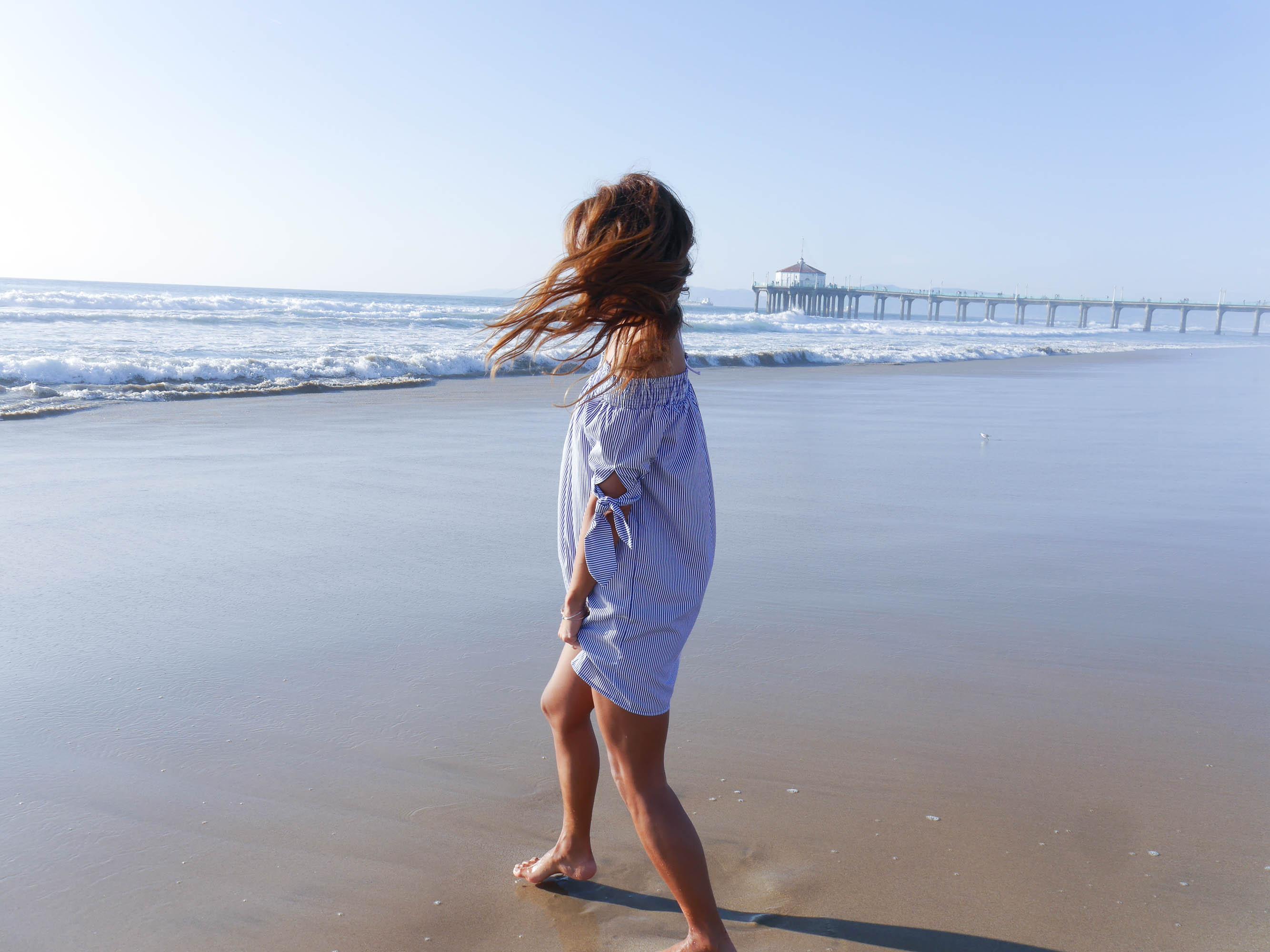 theclassycloud-losangeles-beach-blue-sweater-3-von-5