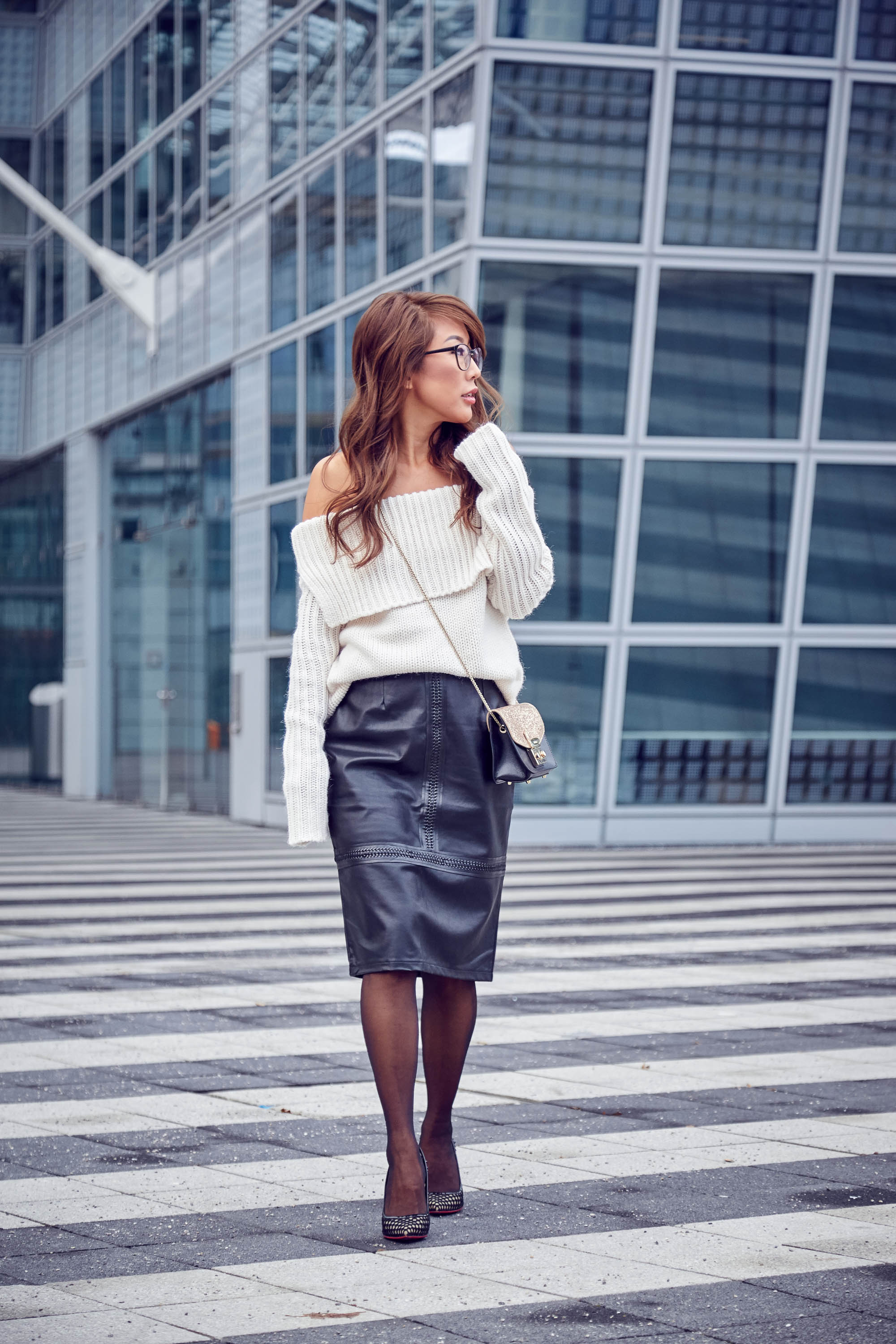 theclassycloud-aboutyoude-casual-outfit-calvin-klein-sweatshirt-dress-7-von-9