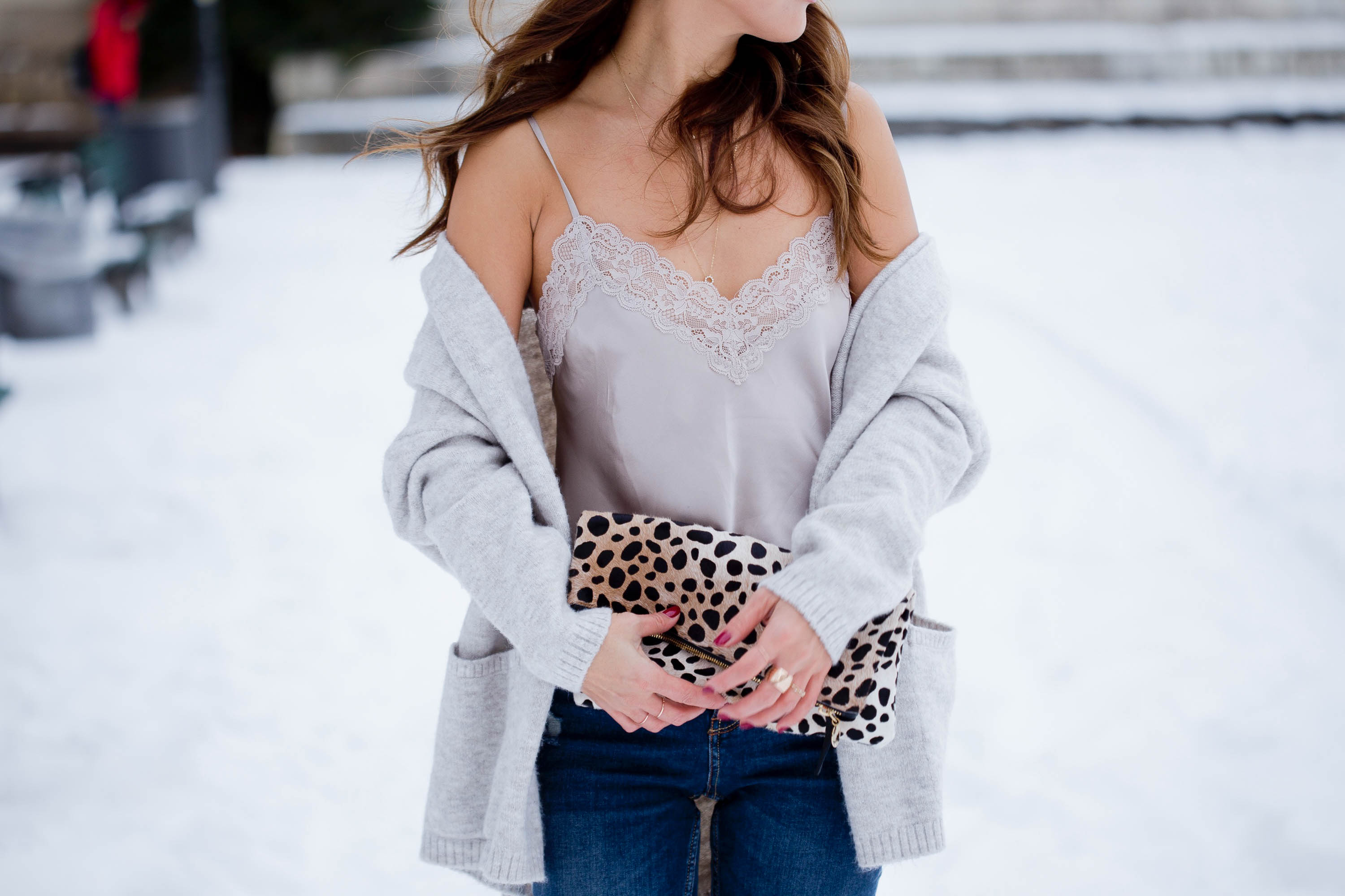 theclassycloud-shearling-jacket-camisole-winter-outfit (3 von 6)