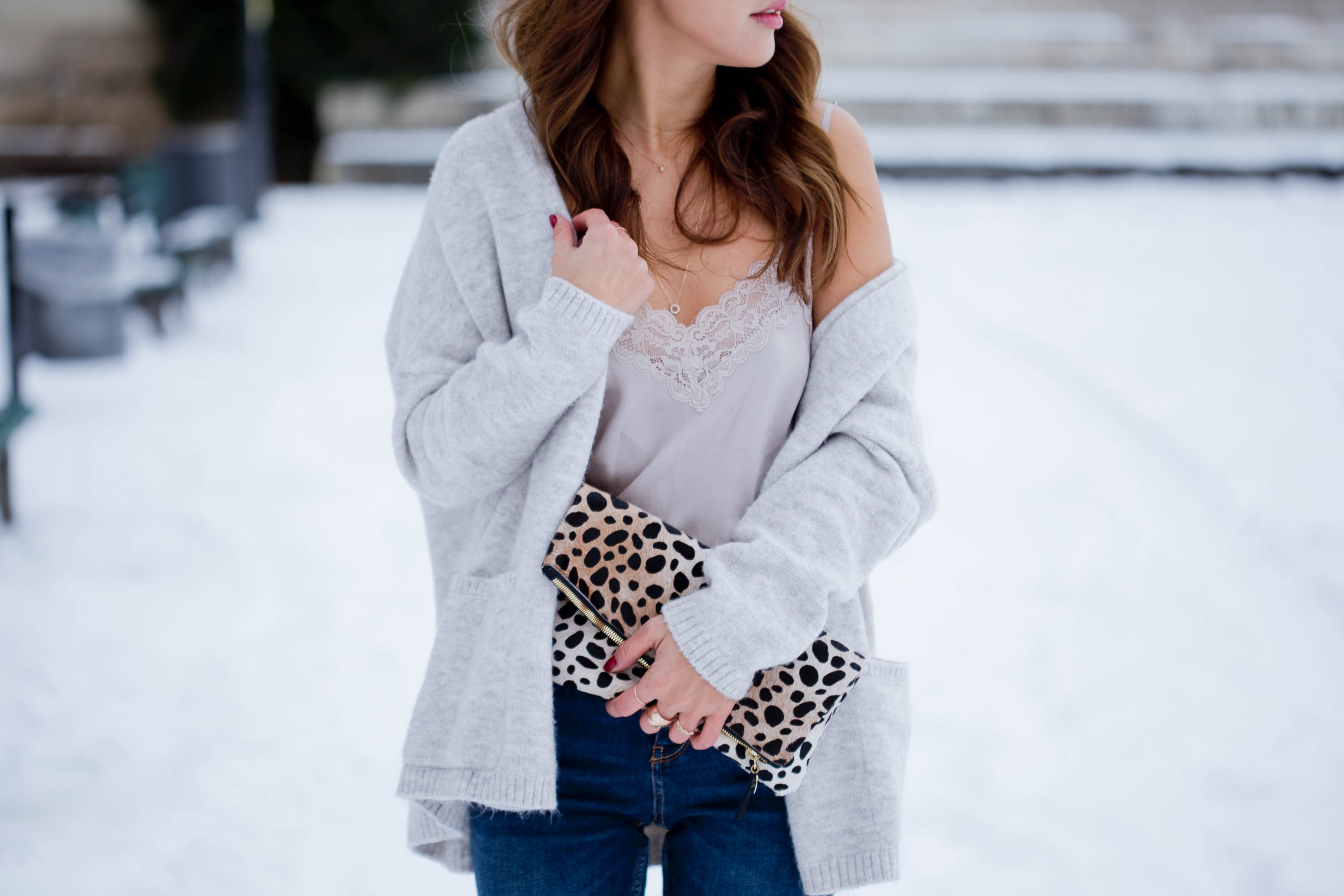 theclassycloud-shearling-jacket-camisole-winter-outfit (4 von 6)