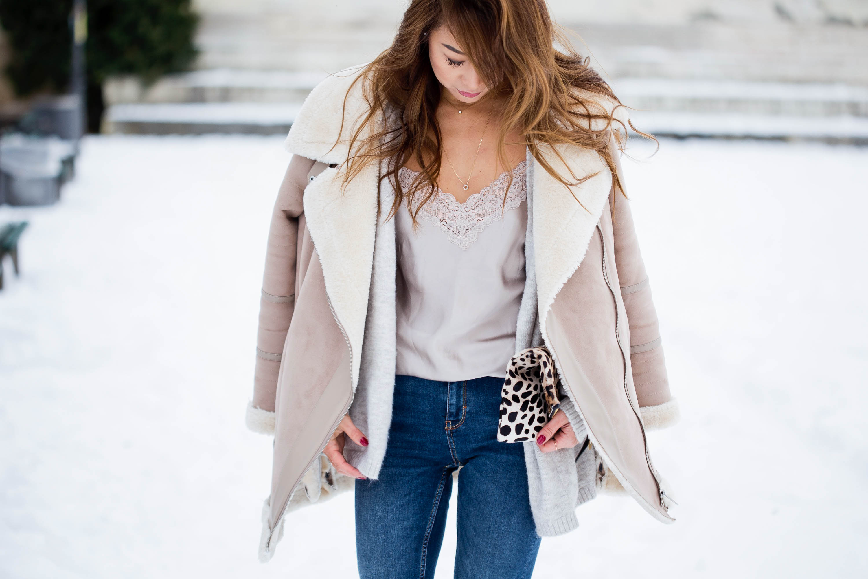 theclassycloud-shearling-jacket-camisole-winter-outfit (5 von 6)